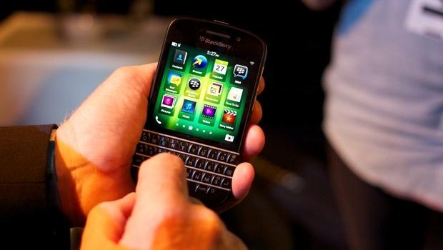 Cara Cerdas Menggunakan Keyboard BlackBerry Q10