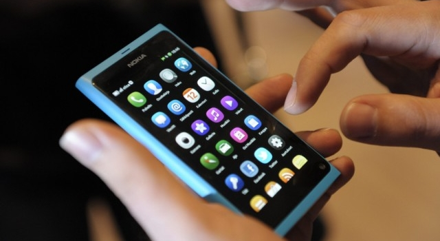 Tips Cara Merawat Handphone Touchscreen